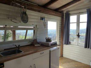 De compleet ingerichte keuken in onze blokhut Abruzzo Italie