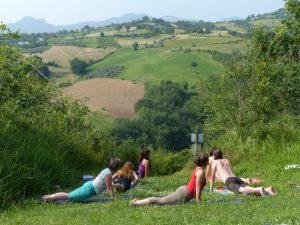 Yoga op de camping met uitzicht op de Apennijnen!