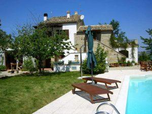 Casa in vacanza con la piscina privata