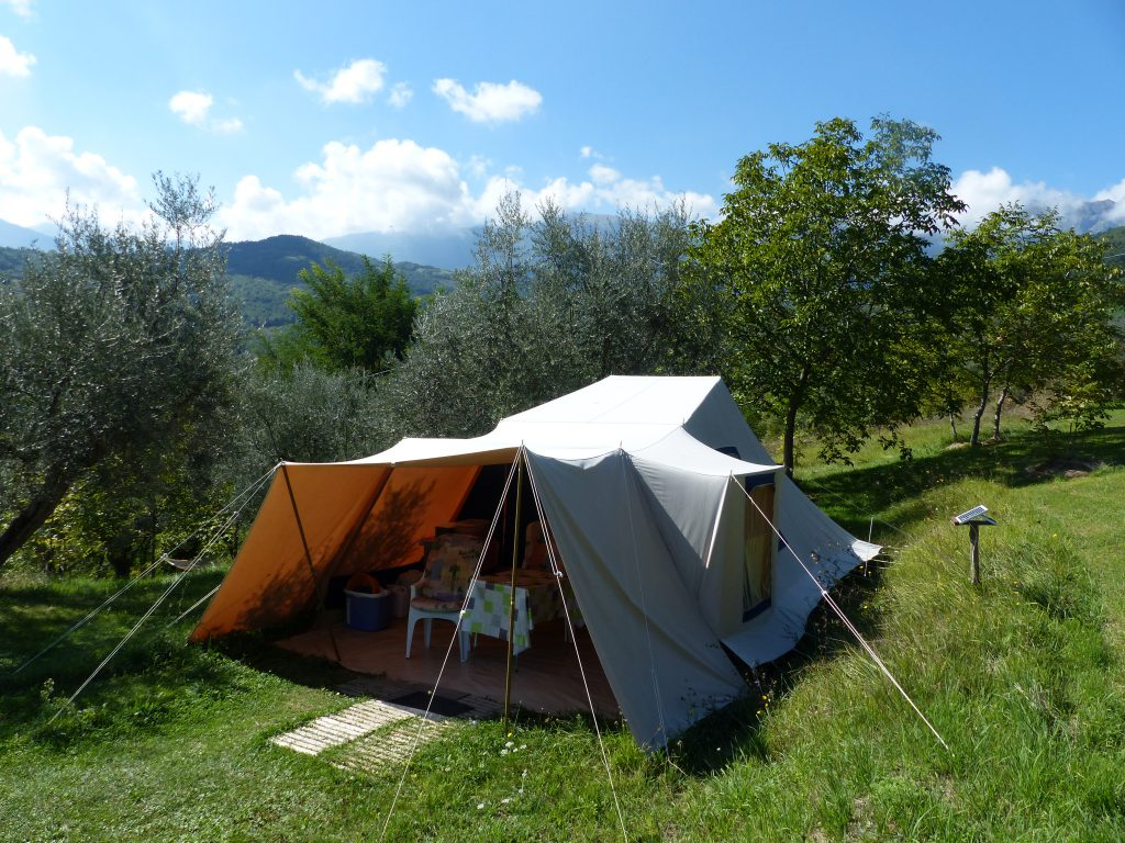 Rent a tent in Italy