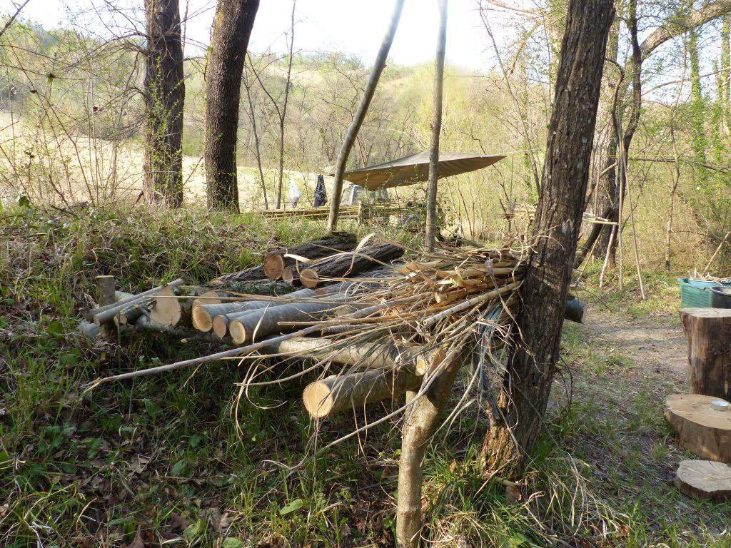 Wildes Zelten im Wald Abruzzo